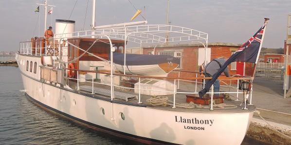 image of Dunkirk little ship Llanthony