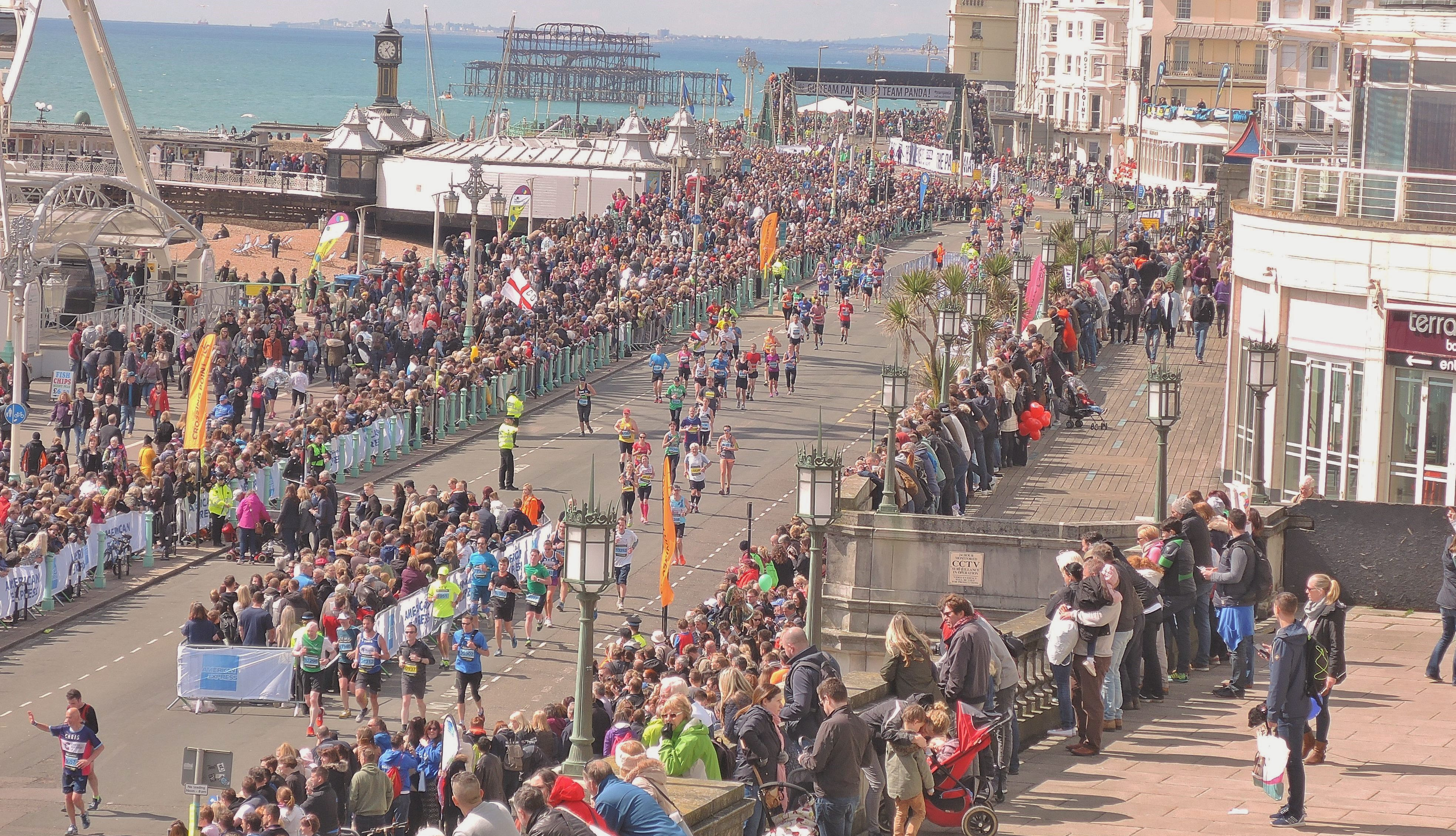 image of runners on Brighton Seafront